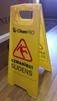 Brīdinājuma zīme slidena grīda